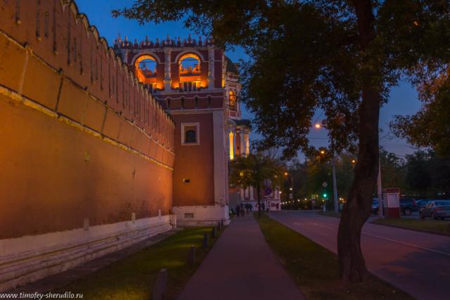 У Донского монастыря