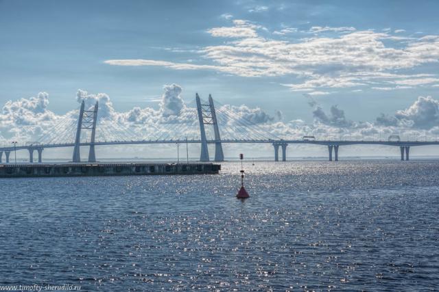 Петербург. Облака на мосту
